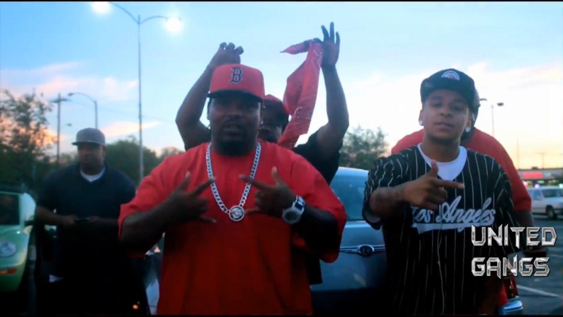 Die Crips und die Bloods sind zwei der drei großen amerikanischen Gangs Sie entstammen beide dem Gebiet von Los Angeles Kalifornien Die drittgrößte Bande ist